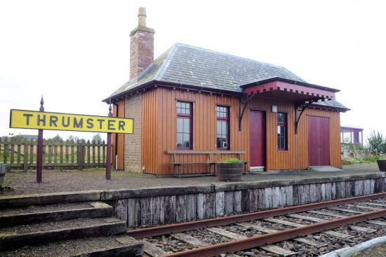 Photograph of Thrumster Railway Station Gets Its Sign Restored